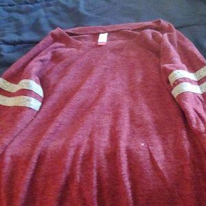 3/4 length sleeve shirt